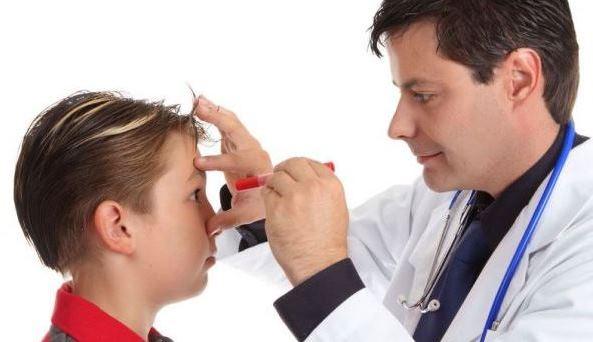 Офтальмолог и пациент