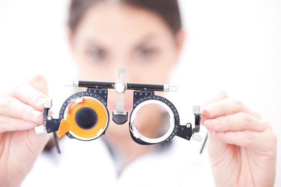 Проверка зрения и подбор очков