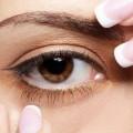Здоровый глаз у девушки